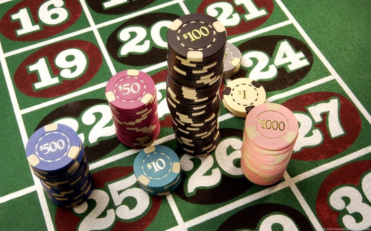 casino-chips-2-backgroundpictures-org-22mn43g